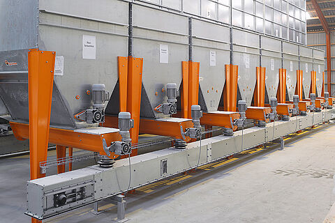 Hoppers for minerals and premixes